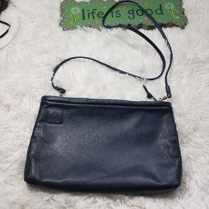 Handbags - Vintage Amanda Smith crossbody